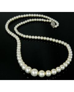 1950's Single Strand Pearl Necklace with White Gold Clasp