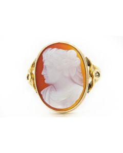 Victorian Yellow Gold and Carved Hardstone Cameo Ring
