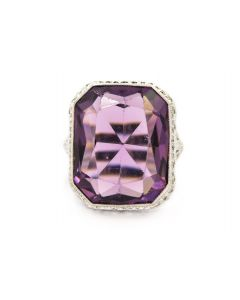 Art Deco White Gold and Amethyst Filigree Ring