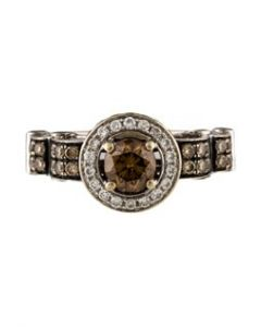 Contemporary Levian White Gold and Diamond Ring - Signed Levian